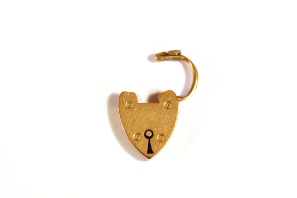 antique clasp heart padlock in gold