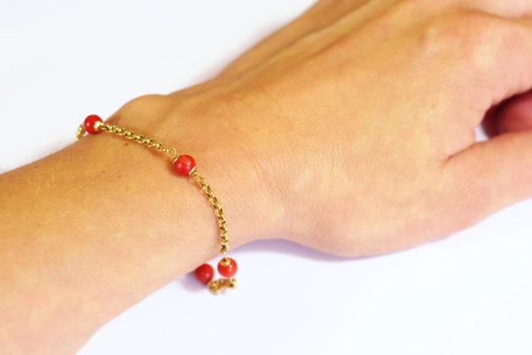 bracelet en or jaune 18k perles de corail